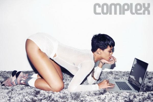 Rihanna για το περιοδικό Complex