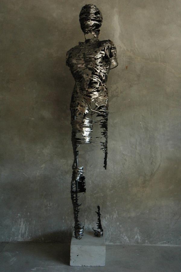 Εντυπωσιακά Γλυπτά από τον Regardt van der Meulen