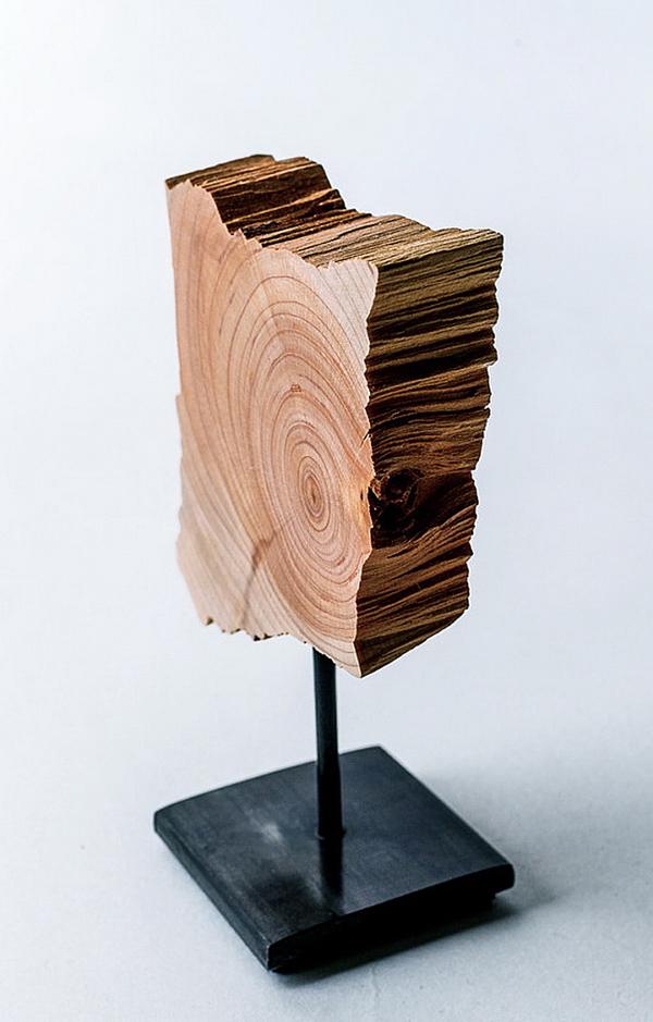 Ξύλινα Γλυπτά και Φωτιστικα απο τη Split Grain