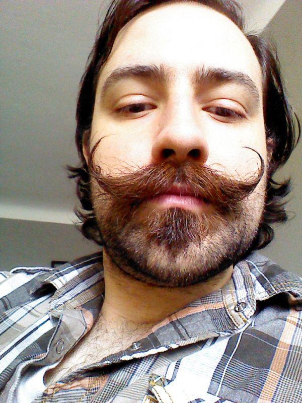 12-asteies-geniades-kai-moustakia-03