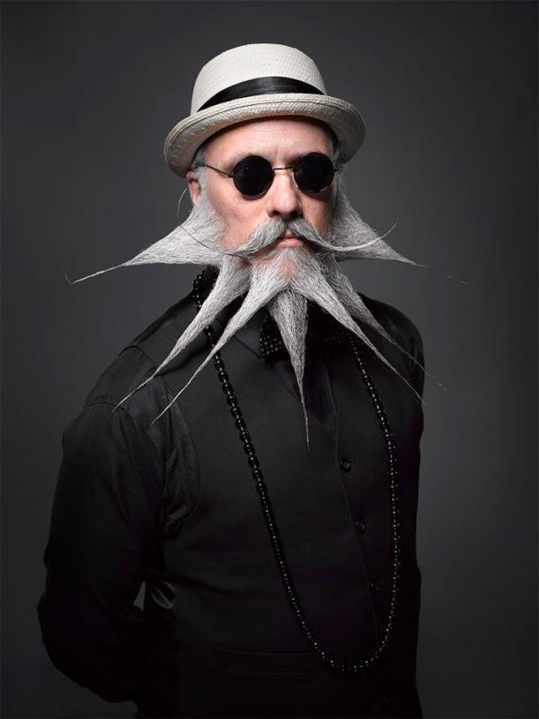 12-asteies-geniades-kai-moustakia-07