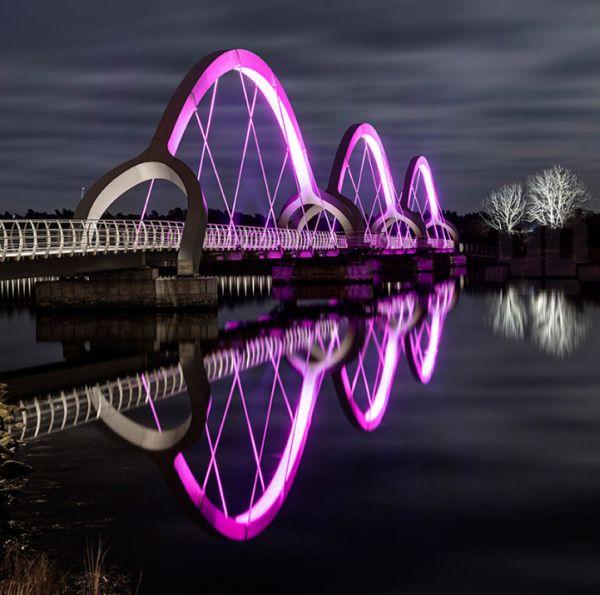 Η Μεγαλύτερη και Ομορφότερα Φωτισμένη Γέφυρα στην Ευρώπη
