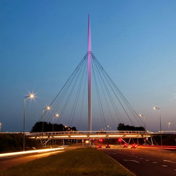 Η Πρωτοποριακή Κυκλική Γέφυρα Hovering στην Ολλανδία