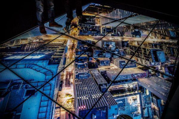 neo-rooftopping-show-sto-parisi-pou-tha-sas-kopsei-tin-anasa-02