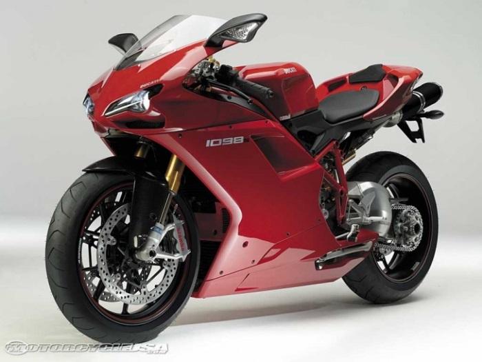 Ducati 1098 S- Με 169 μίλια ανά ώρα