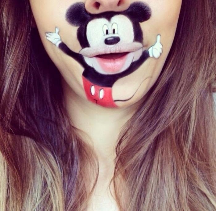 Μακιγιέρ Μετατρέπει τα Χείλη της σε Cartoon