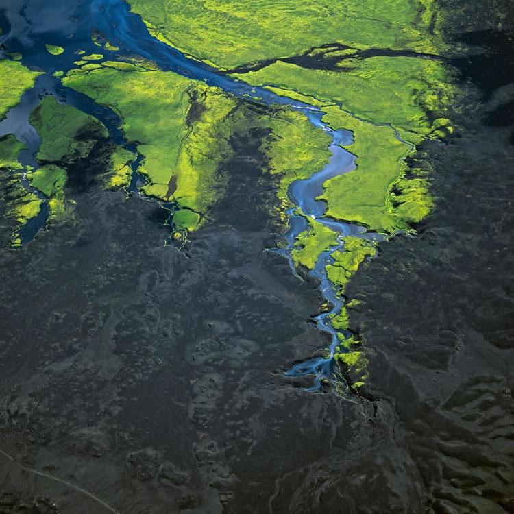 Τα Χρώματα της Γης από τον Bernhand Edmaier