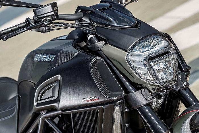 Η Νέα Ducati Diavel Carbon 2016